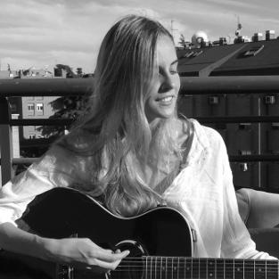 Eugenia Docampo, profesora de guitarra