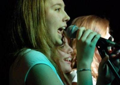 Escuela de canto Stars - adolescentes